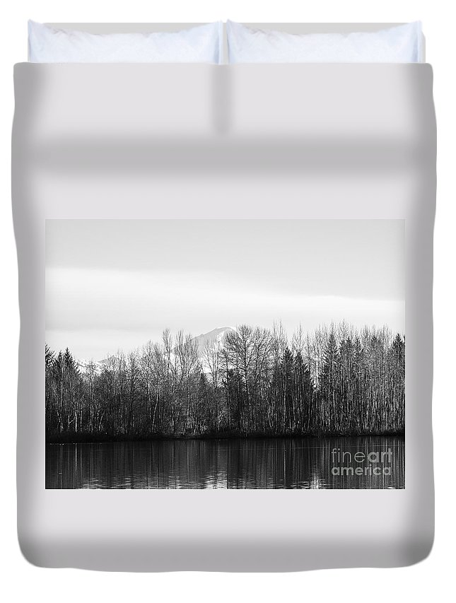 Black And White Duvet Cover featuring the photograph F2110928 by David Fabian