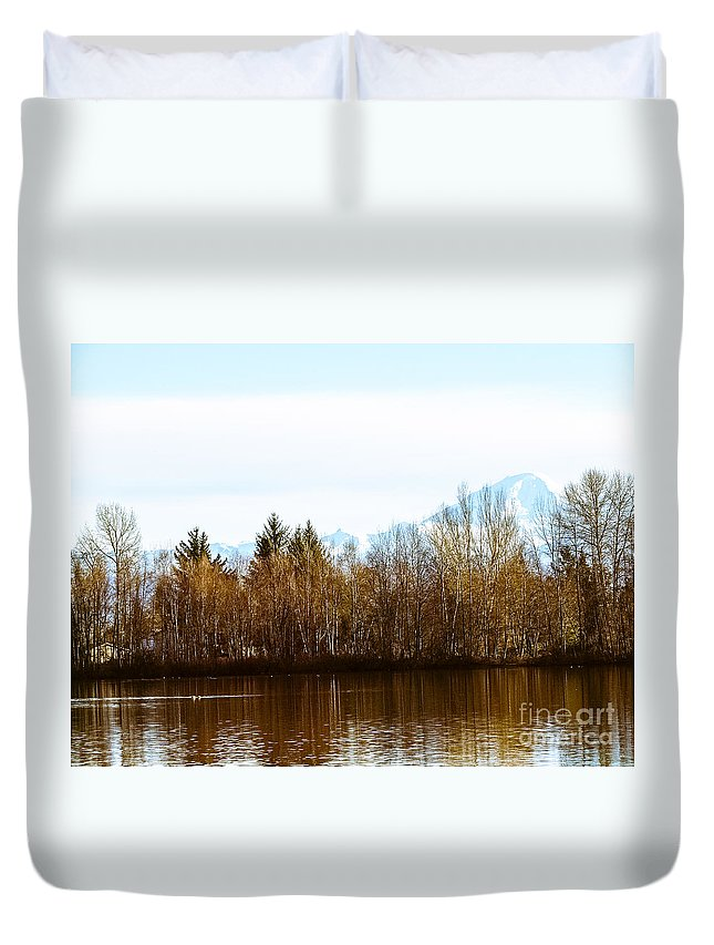 Park Duvet Cover featuring the photograph F2110934 by David Fabian