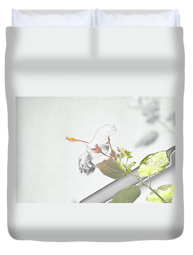 Flower Duvet Cover featuring the photograph Fading Flower by Melvin Busch