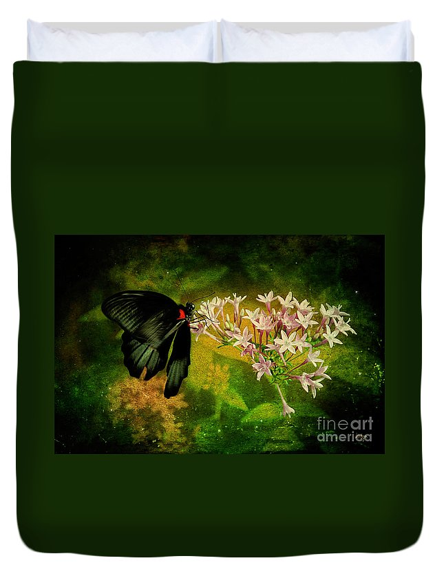 Butterfly Duvet Cover featuring the photograph Fairyland by Lois Bryan