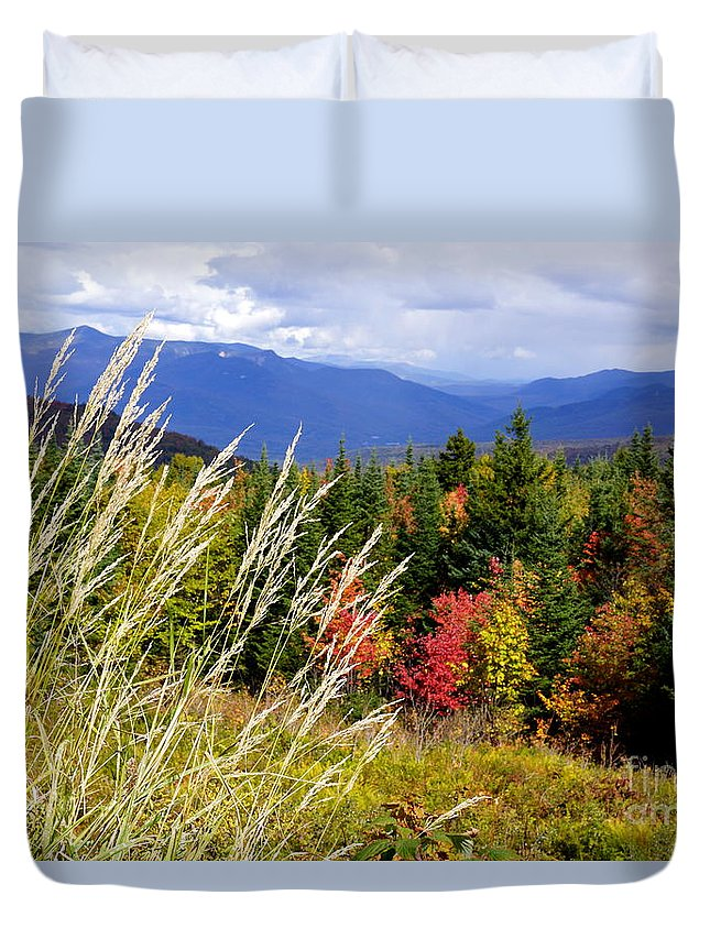 Newhampshire Duvet Cover featuring the photograph Fall Foliage 2 by Kerri Mortenson