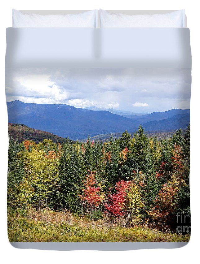 Newhampshire Duvet Cover featuring the photograph Fall Foliage by Kerri Mortenson