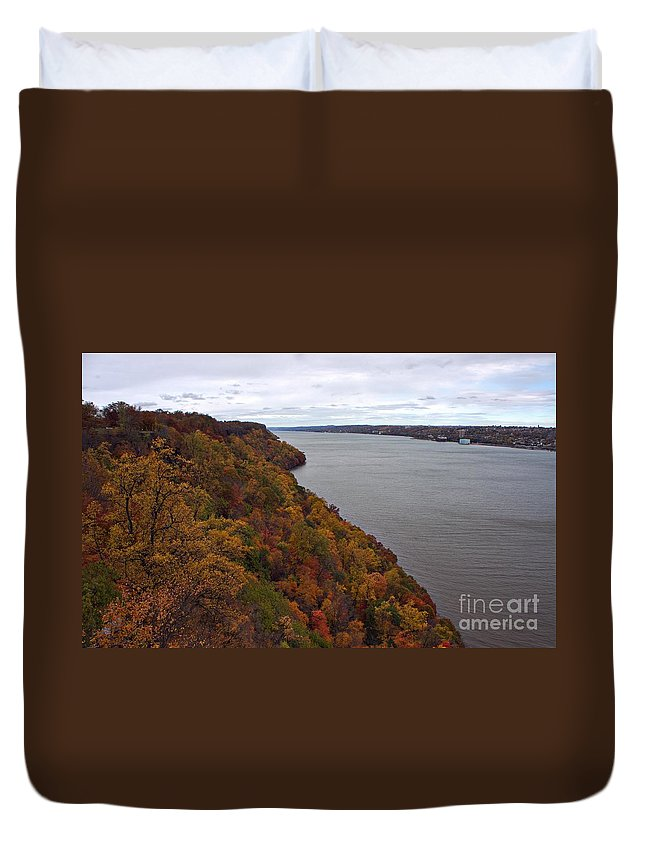 Fall Duvet Cover featuring the photograph Fall Foliage On The New Jersey Palisades by Lilliana Mendez
