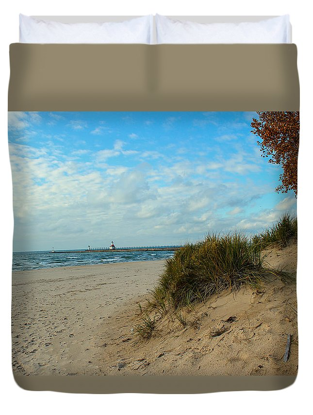 St. Joseph Michigan Duvet Cover featuring the photograph Fall On The Beach by Harold Hopkins
