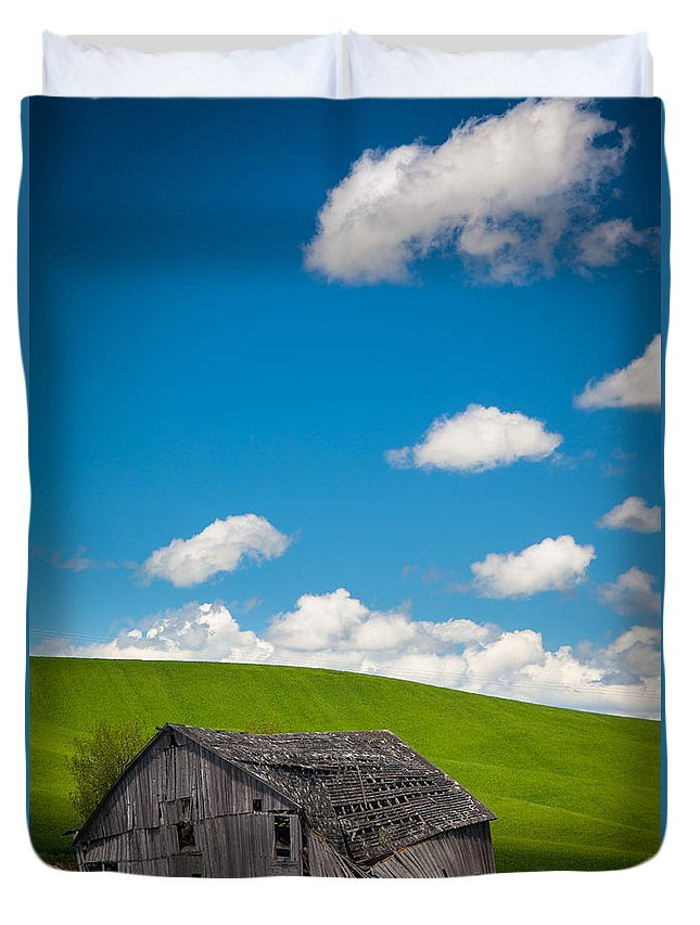 America Duvet Cover featuring the photograph Fallen Barn by Inge Johnsson