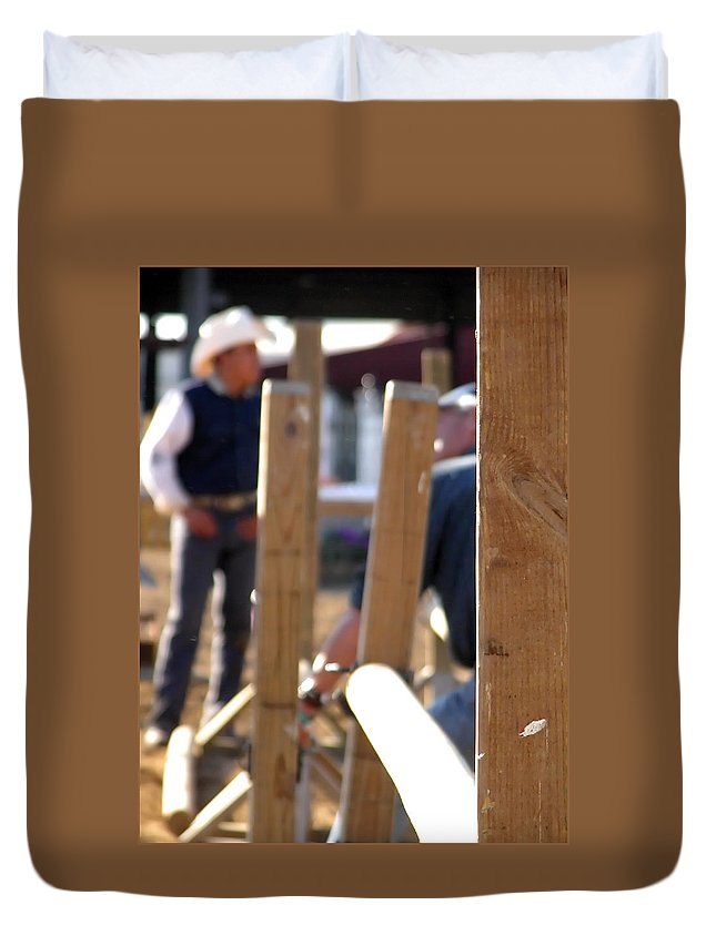 Wrangler Duvet Cover featuring the photograph Fence And Cowboy 17525 by Jerry Sodorff