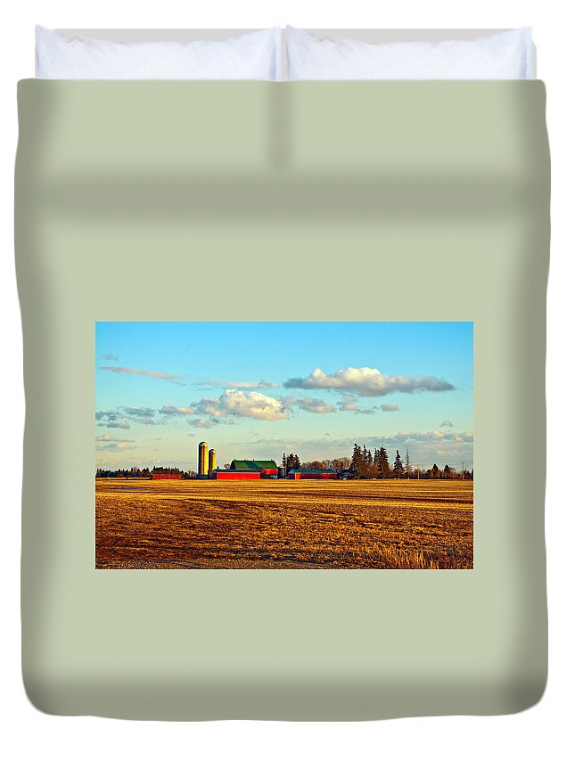 Landscape Duvet Cover featuring the photograph Fields Of Gold by Steve Harrington