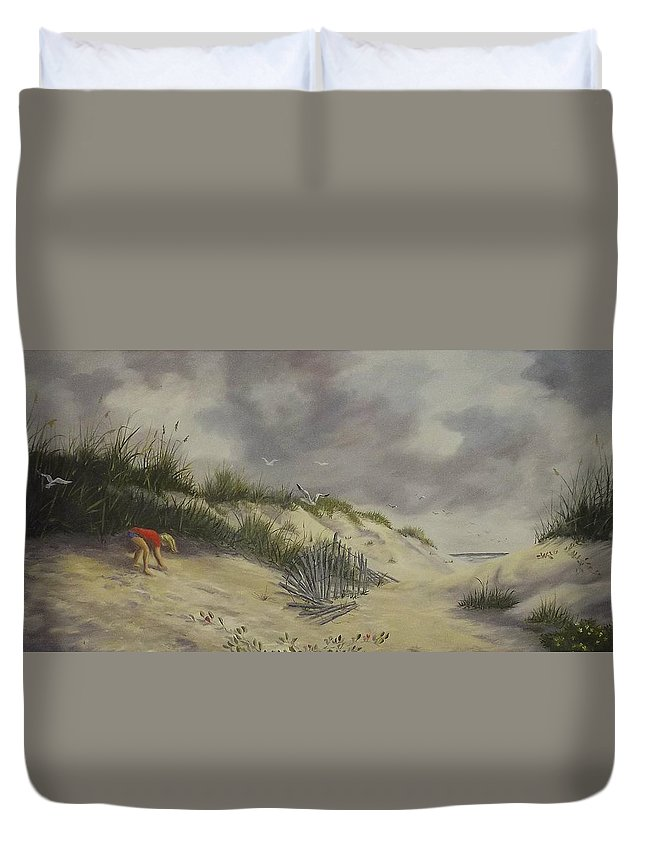 Seascape Duvet Cover featuring the painting Finding Treasure by Wanda Dansereau