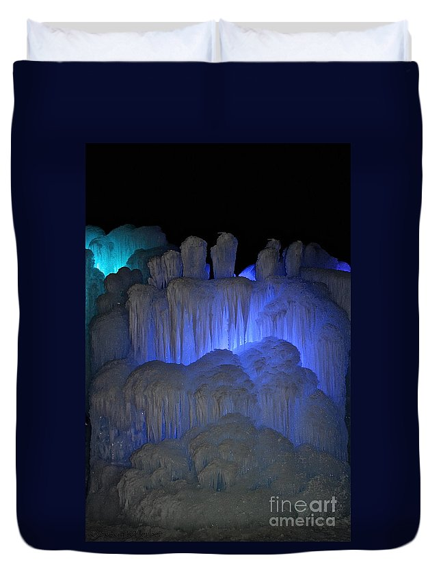 Ice Duvet Cover featuring the photograph Finger Ice by Susan Herber