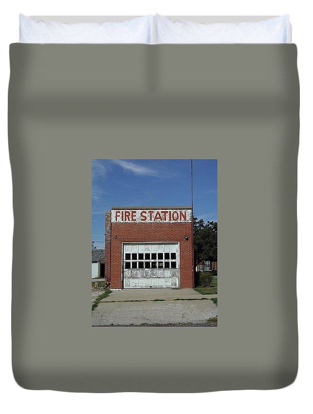 Farming Town Duvet Cover featuring the photograph Fire by Joseph Yarbrough