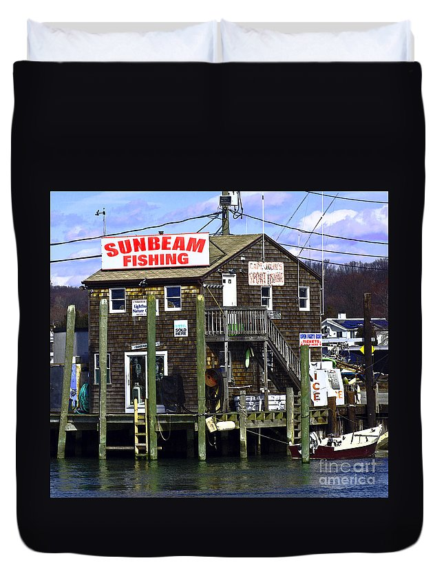Fish Duvet Cover featuring the photograph Fishing For Business by Joe Geraci