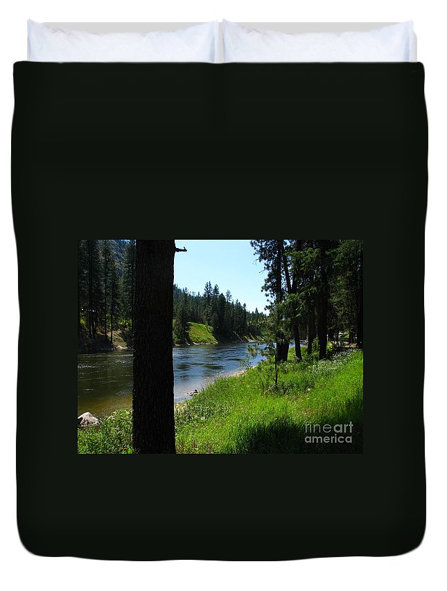 Art For The Wall...patzer Photography Duvet Cover featuring the photograph Fishing Spot 1 by Greg Patzer