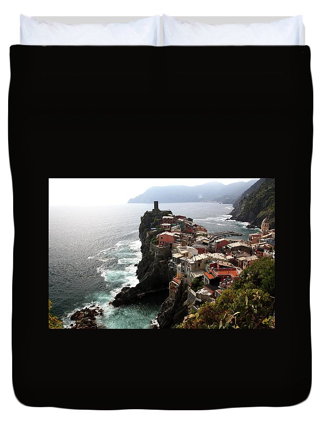 Seascape Duvet Cover featuring the photograph Fishing Village Of Vernazza, Looking by Bruce Yuanyue Bi