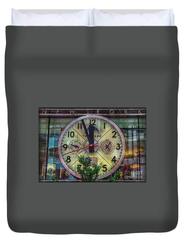 Clock Duvet Cover featuring the photograph Five To Twelve by Hanny Heim