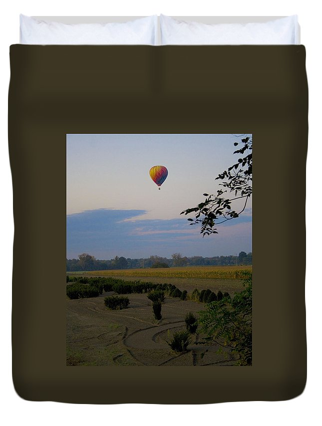 Western Ma Duvet Cover featuring the photograph Floating by Conor McLaughlin