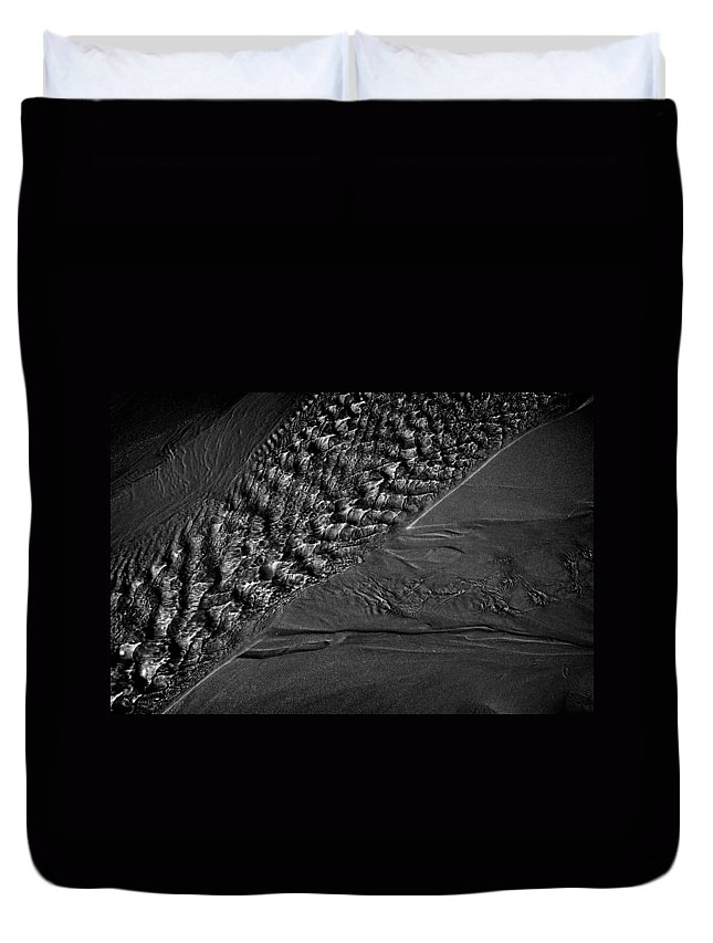 Beach Duvet Cover featuring the photograph Flow by Steve Ball