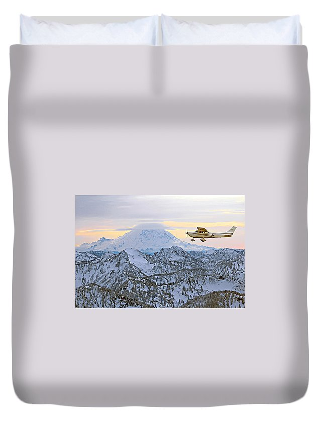 Outdoor Duvet Cover featuring the photograph Flying by Paul Fell