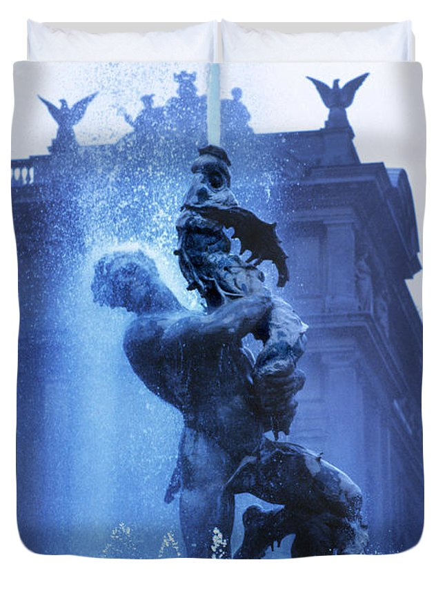 Italy Duvet Cover featuring the photograph Fontana Delle Naiadi by Daniel Furon