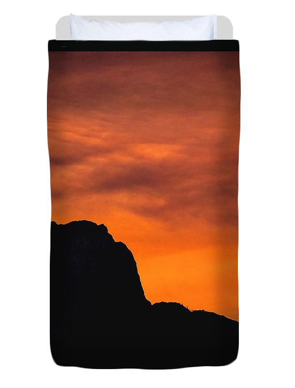 Mountains Duvet Cover featuring the photograph Forest Fire Sunset 01 by Jo-Anne Gazo-McKim