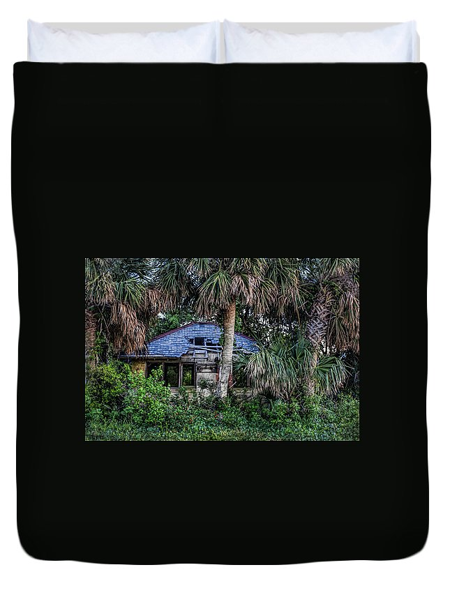 Tybee Island Duvet Cover featuring the photograph Forgotten by Diana Powell