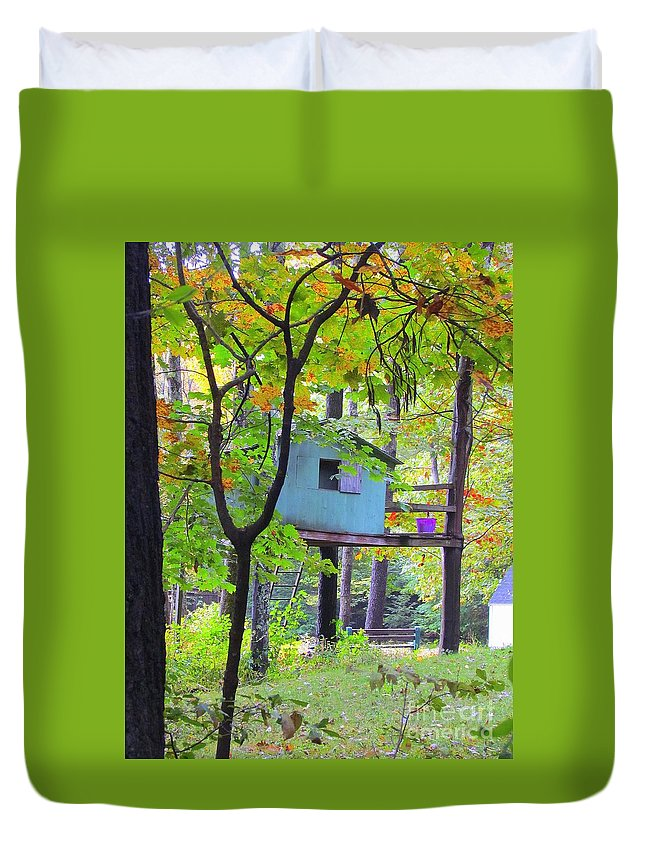 Tree House Duvet Cover featuring the photograph Forgotten Friend by Elizabeth Dow