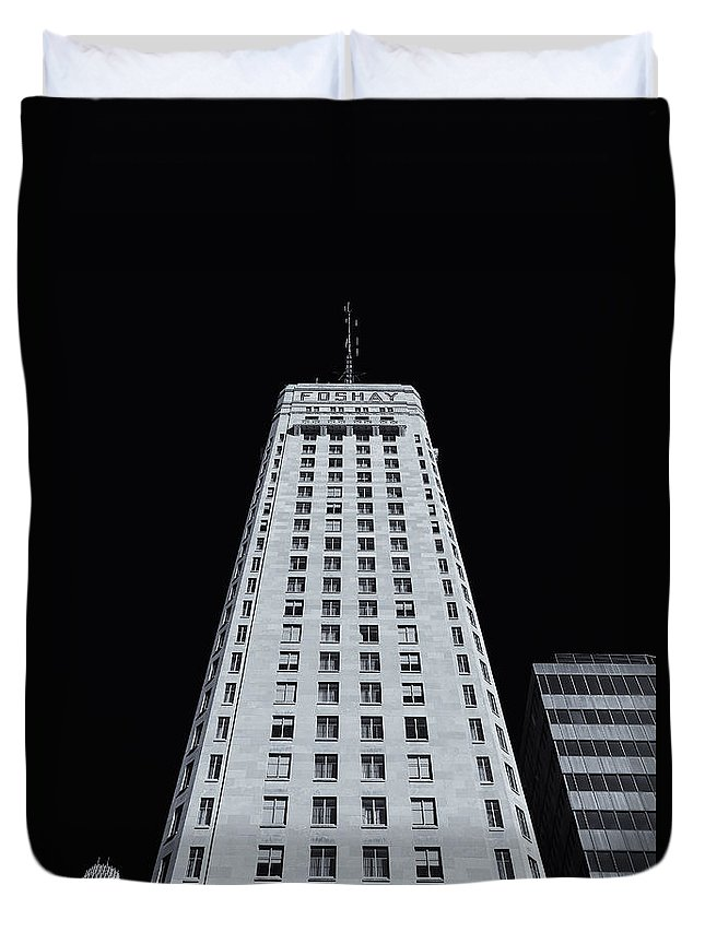 Foshay Tower Duvet Cover featuring the photograph Foshay Tower Mono by Rachel Cohen