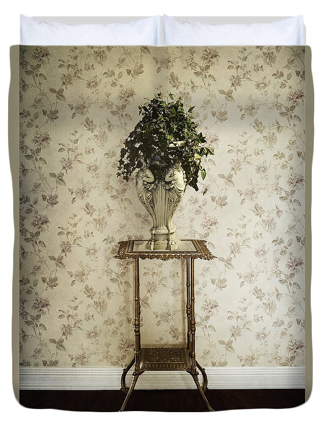 Plant Duvet Cover featuring the photograph Foyer Living by Margie Hurwich