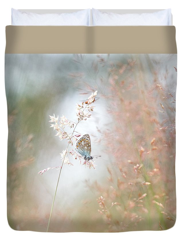 Nature Duvet Cover featuring the photograph Frame Of Grasses by Teuni Stevense
