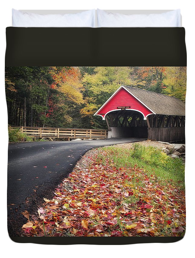 Hampshire Duvet Cover featuring the photograph Franconia Notch State Park by Linda D Lester