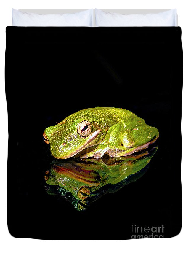 Reflection Duvet Cover featuring the photograph Frog by Savannah Gibbs