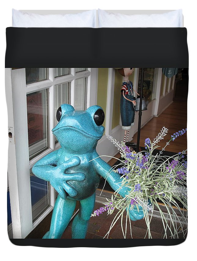 Frog Duvet Cover featuring the photograph Frog Suitor by Barbara McDevitt