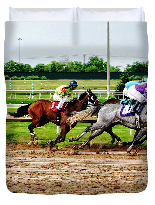 Horse Racing Duvet Cover featuring the photograph Front Runners 026mx by Earl Johnson