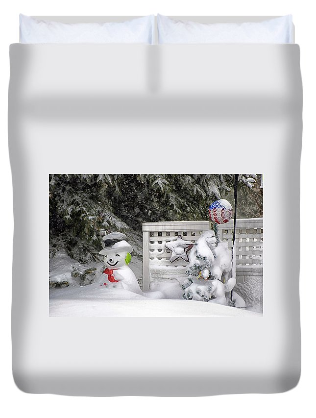 Holiday Card Duvet Cover featuring the photograph Frosty The Snow Man by Thomas Woolworth