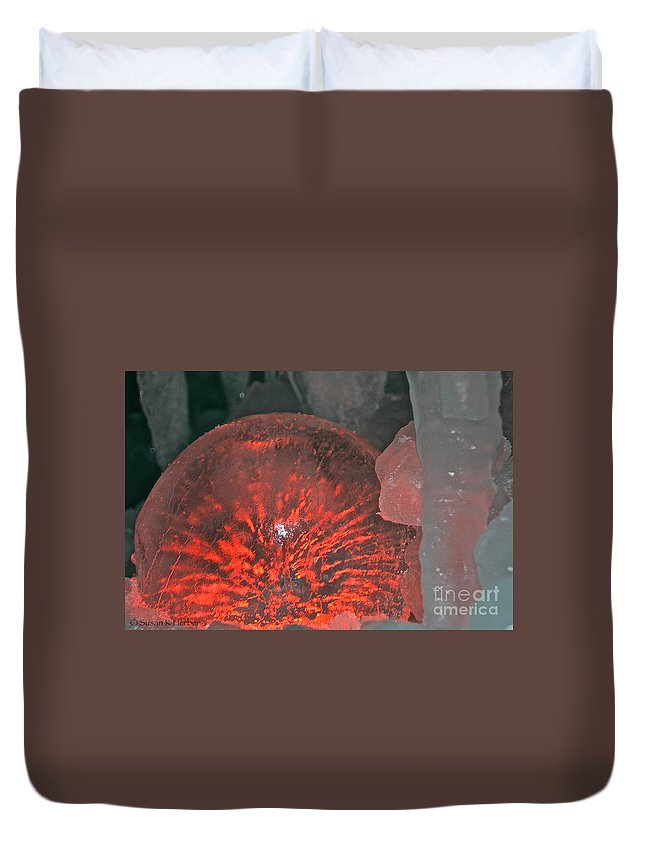 Ice Duvet Cover featuring the photograph Frozen Sparks by Susan Herber