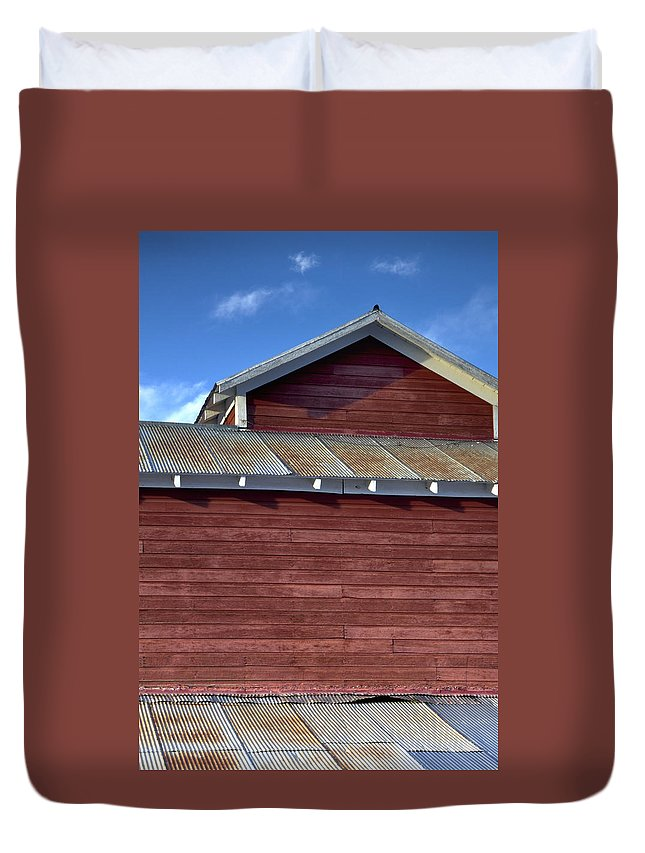 Ft Duvet Cover featuring the photograph Ft Collins Barn 13550 by Jerry Sodorff