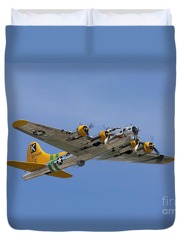 Fuddy Duddy Duvet Cover featuring the photograph Fuddy Duddy by John Daly