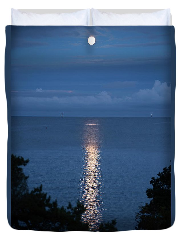 Archipelago Duvet Cover featuring the photograph Full Moon Over Sea by Johner Images