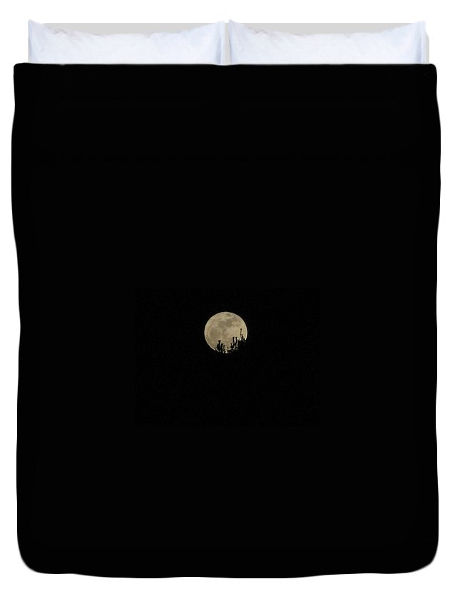Full Duvet Cover featuring the photograph Full Moon Rising by Bill Tomsa