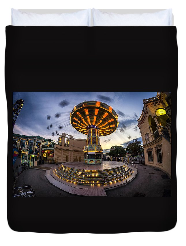 Prater Duvet Cover featuring the photograph Fun Fair In The Night by Pablo Lopez