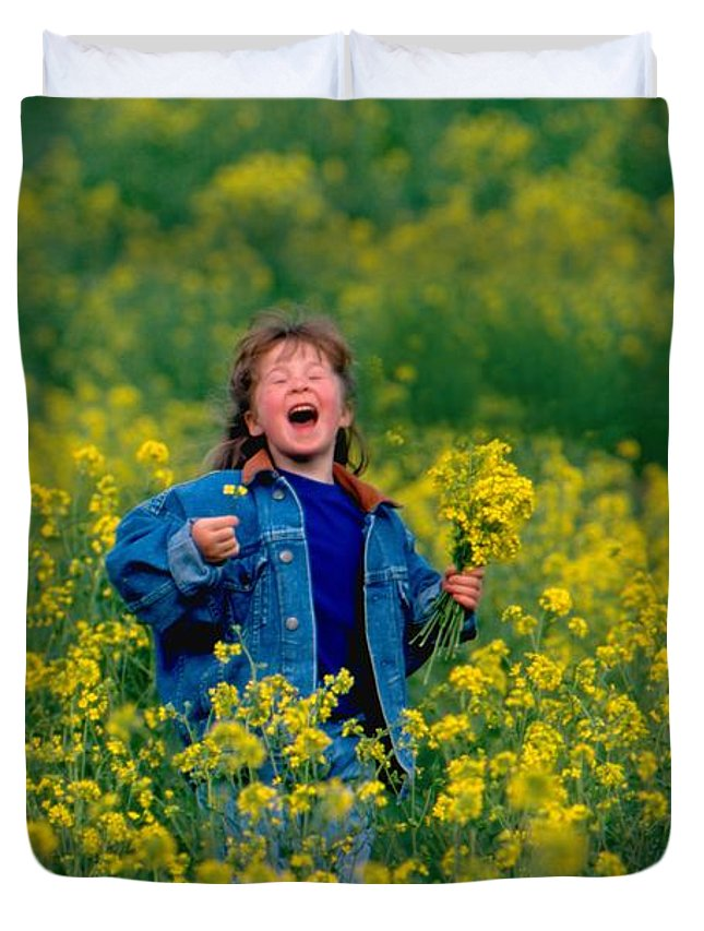 Child Duvet Cover featuring the photograph Fun Picking Flowers by Bruce S Roberts