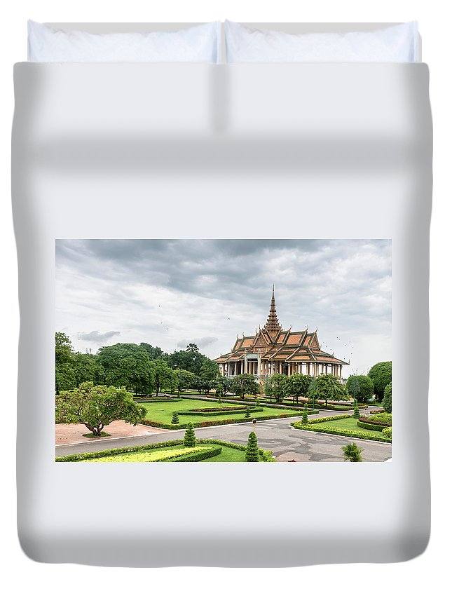 Southeast Asia Duvet Cover featuring the photograph Gardens At The Royal Palace In Phnom by Tbradford