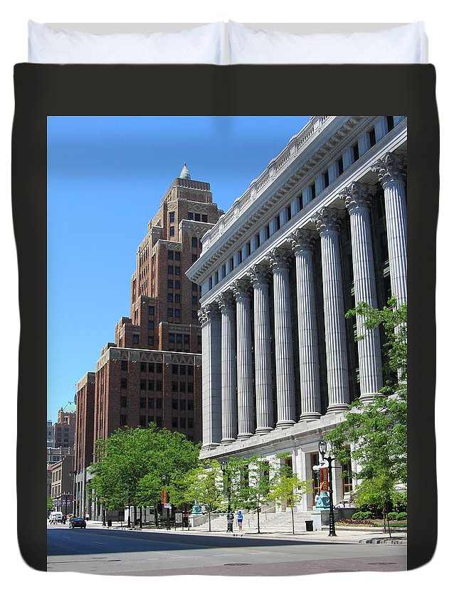Milwaukee Duvet Cover featuring the photograph Gas Building And Nml Tall by Anita Burgermeister