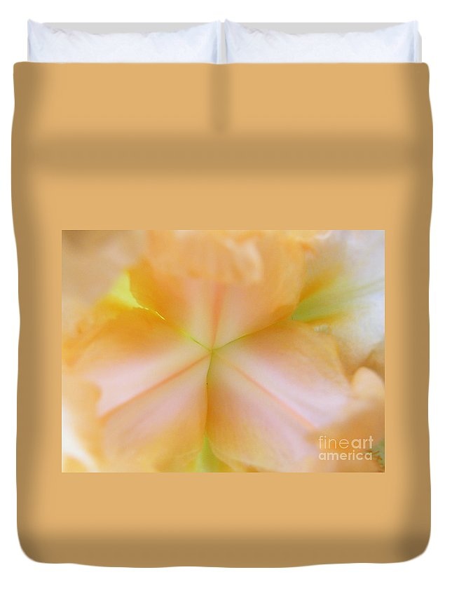 Geomitry Duvet Cover featuring the photograph Geomit-iris by Brian Boyle