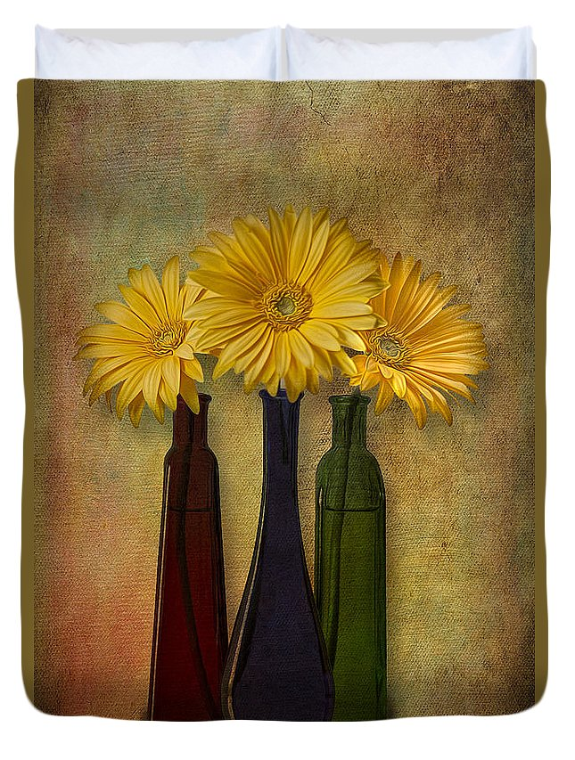 Gerber Daisy Flower Duvet Cover featuring the photograph Gerbera Trio by Susan Candelario