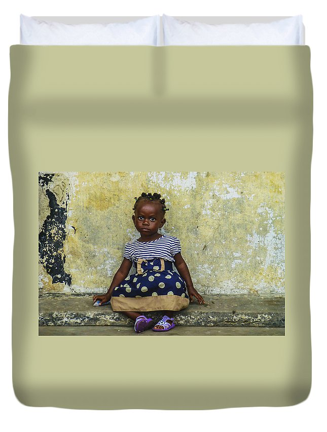 Accra Duvet Cover featuring the photograph Ghanaian Child by Roberto Pagani