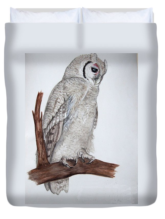 Giant Eagle Owl Duvet Cover featuring the painting Giant Eagle Owl by Tracey Beer