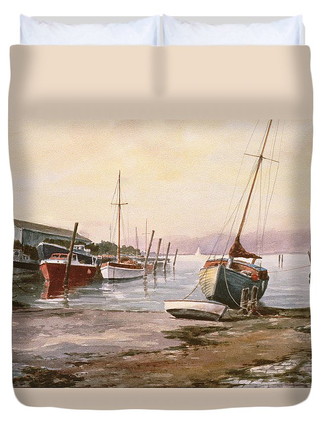 Duvet Cover featuring the painting Gillingham Pier On The Medway by Vic Trevett
