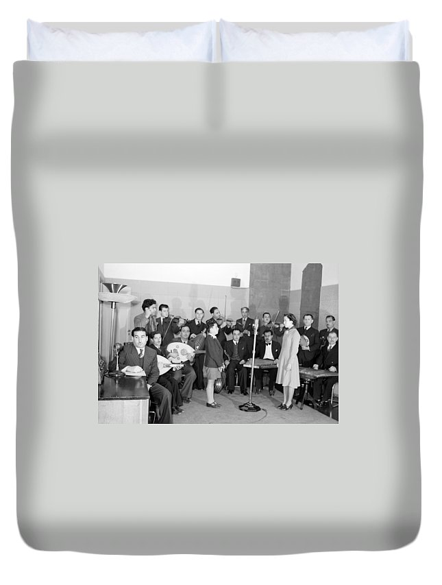 Boy Duvet Cover featuring the photograph Girl And Boy Soloists by Munir Alawi