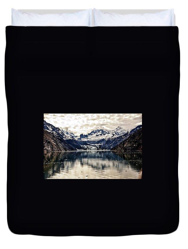 Glacier Bay Duvet Cover featuring the photograph Glacier Bay Landscape - Alaska by Jon Berghoff