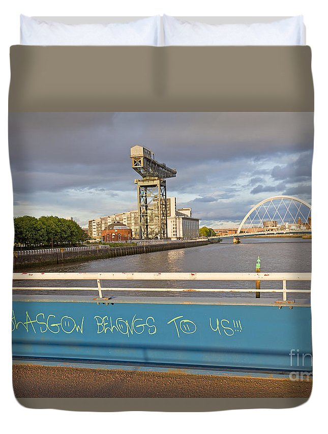 Glasgow Belongs To Me Duvet Cover featuring the photograph Glasgow Belongs To Us by Liz Leyden